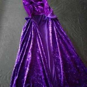 Crushed velvet hooded cape goth costume